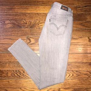 Gray Levi's legging jeans